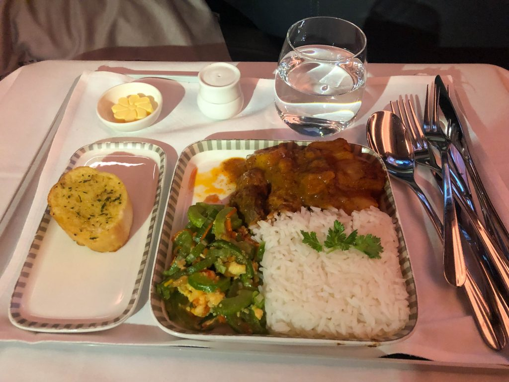Singapore_A350_first_meal
