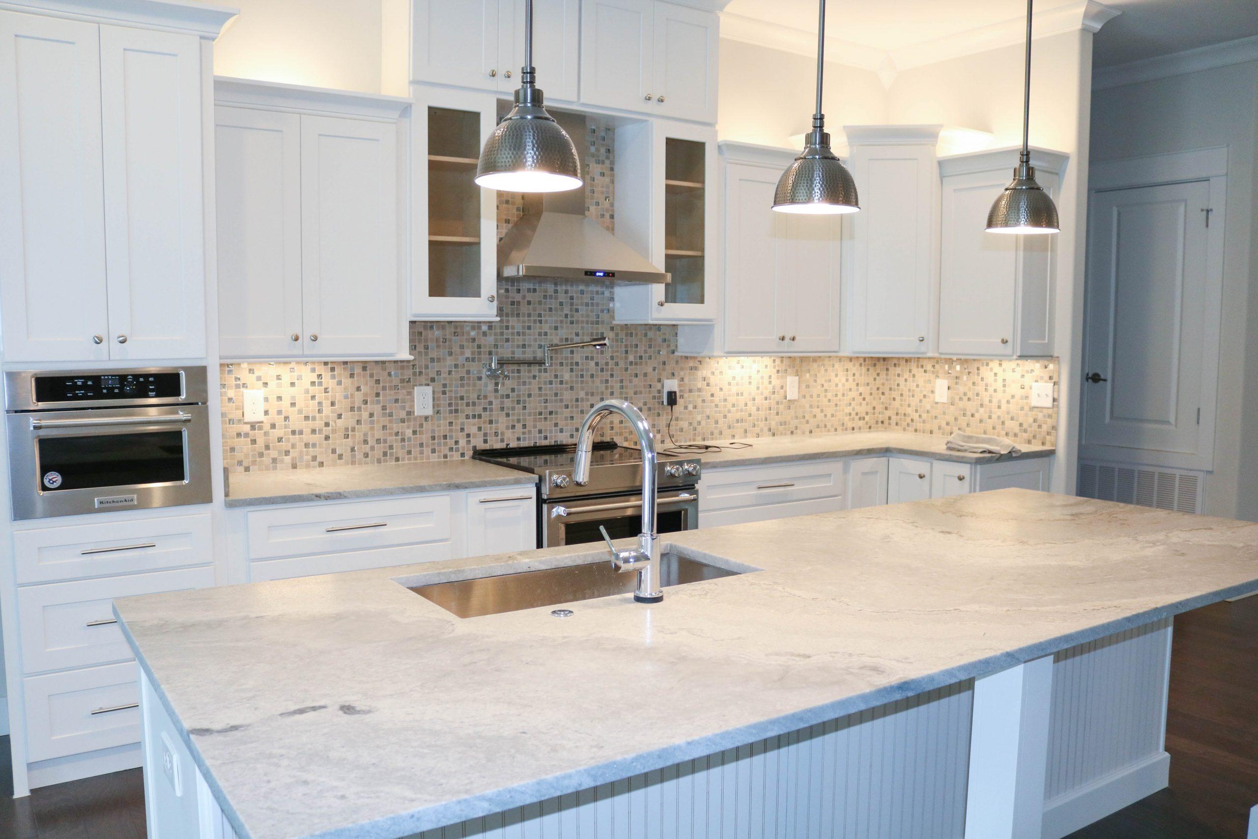 white cabinet quartz countertop