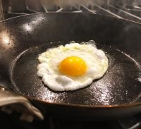 carbon steel pan egg